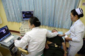 上海年內試點開展以家庭醫生為基礎的分級診療改革