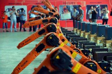 """杭州將在未來5年推3000個""""機器換人""""項目"""