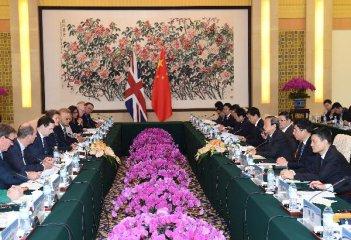 中英双方将推动核能、高铁等大项目合作
