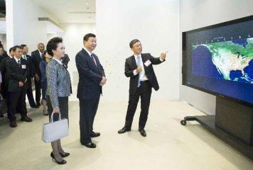 专访:中国经济创新升级给跨国企业带来机遇--访微软大中华区董事长贺乐赋