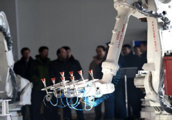 上海发力智能制造中心:设50亿元产业基金 相关人才优先落户
