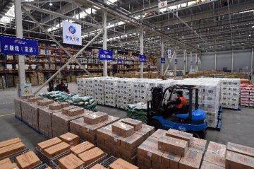 深圳機場全貨運通航點32個 快件量占半壁江山