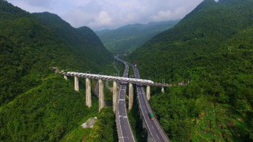 中国西部进口展促成超5720亿元项目签约