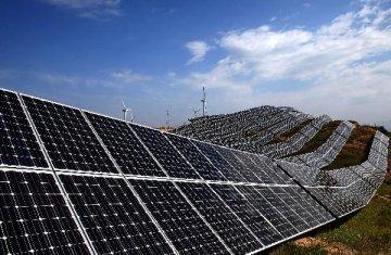 進出口銀行開立巨額履約保函支援國內企業承建世界最大單體光伏發電項目