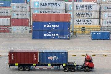 10月进出口数据延续双降 全年难转正