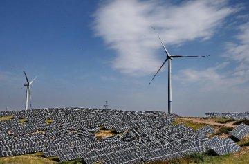 發改委降低新建陸上風電和光伏發電上網電價