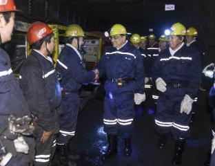 李克强:下决心进行钢铁业结构调整