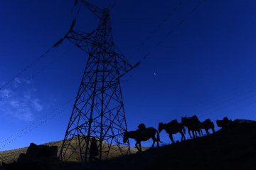 十三五电网建设或高增长 电力设备飨红利