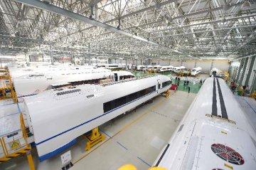 製造業與非製造業PMI雙雙回檔 經濟趨穩基礎尚需鞏固
