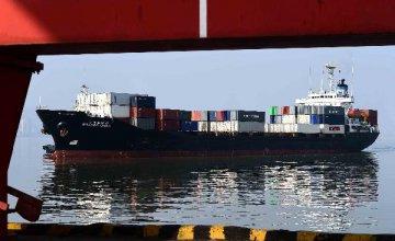 今年1月我國進出口總值1.88萬億元 同比下降9.8%