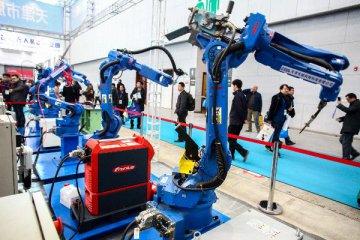 """工业机器人""""虚火"""""""