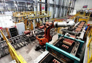 制造业重回扩张显现经济企稳迹象 二季度GDP增速有望回升
