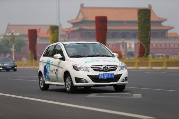 北京2020年电动汽车预计增至60万辆 将设43.5万个充电桩