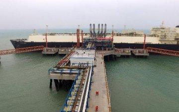 亚洲液化天然气价格跌至七年低点