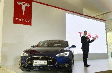 特斯拉引領全民電動車時代 產業鏈迎新機遇