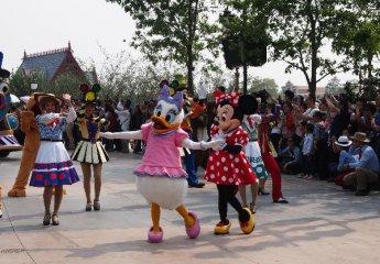 上海迪士尼A股小伙伴揭秘 三类公司直接牵手
