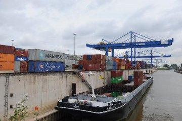 外匯局:6月我國國際貨物和服務貿易順差1693億元