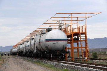新疆延伸產業鏈 重點建設金屬加工、新能源新材料等七大領域
