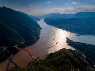 长江经济带发展规划纲要正式印发 打造三大增长极