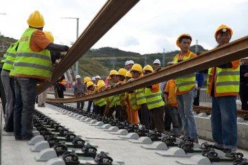中国铁路年底投资加速 35个项目望陆续投产