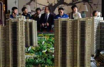 住建部:明年房地產將堅持分類調控、因城因地施策