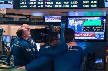 美股投资者择股风向变了 亮眼财报让位于特朗普政策
