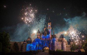 香港迪士尼2016財年淨虧損擴大至1.71億港元
