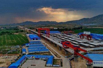 (砥礪奮進的五年·重大工程巡禮)(2)京張高鐵助推華北北部快速客運網發展