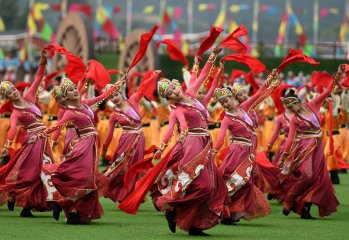 內蒙古各族各界隆重慶祝自治區成立70周年