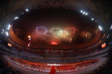 """九年前的今天 北京與世界""""心連心"""""""
