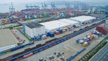 全球贸易转暖 外贸仍将是世界经济增长引擎?