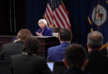 美聯儲宣佈利率上調25個基點 2018年或將加息三次