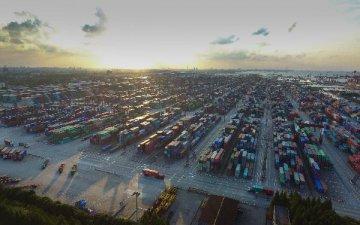 沿海内陆十余地竞逐自贸港