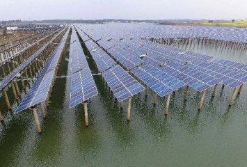 """全球可再生能源投資創新高!中國清潔能源概念股""""錢""""景可期"""