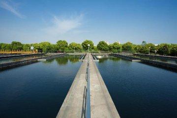 """專家稱中國水污染治理全球""""最活躍"""""""