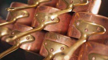 對沖基金經理:利率提升 多油空銅是首選
