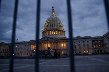美国国会通过放松银行监管法案