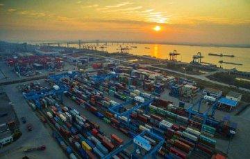 海關:上半年我國外貿進出口同比增長7.9%