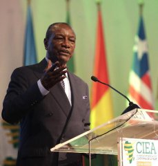 """专访:非洲国家愿意在""""一带一路""""框架下加强中非合作  访几内亚总统孔戴"""