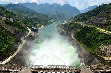 几内亚政府与中国进出口银行签署苏阿皮蒂水利枢纽项目贷款协议