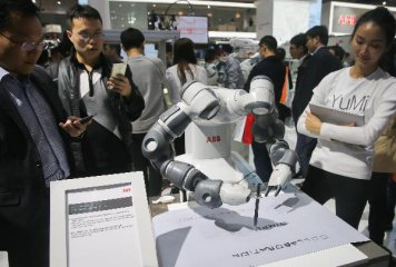 賣1台機器人虧1.8萬 工業機器人行業危機四伏