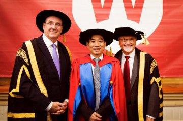 澳大利亚中医发展进入国际化循证之路--澳中联合培养的中医专业硕士研究生毕业