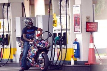 15日國內原油期貨早盤再度大跌 主力合約跌幅一度超4%