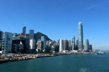 如果貿易戰進一步升溫,明年香港房價可能下跌25%