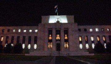 """鲍威尔:美联储""""时刻准备""""调整政策立场"""