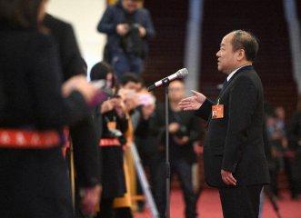 發改委副主任甯吉喆:將制定出臺穩住汽車、家電等熱點產品消費的措施
