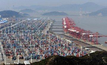 2018年中國外貿進出口總值30.51萬億元 貿易順差收窄