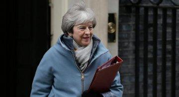 """英国首相:将继续与欧盟就""""脱欧""""协议进行谈判"""