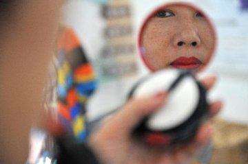 """""""口红效应""""、中国市场奢侈品需求增长……欧莱雅迎来10多年来最强劲销售增长"""