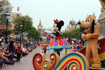 香港迪士尼去年收入60亿港元创新高